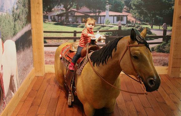 OMG! Madelyn rides a horse WITH NO LEGS.